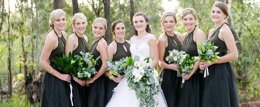 Caar'i Flora Group bride and bridesmaids